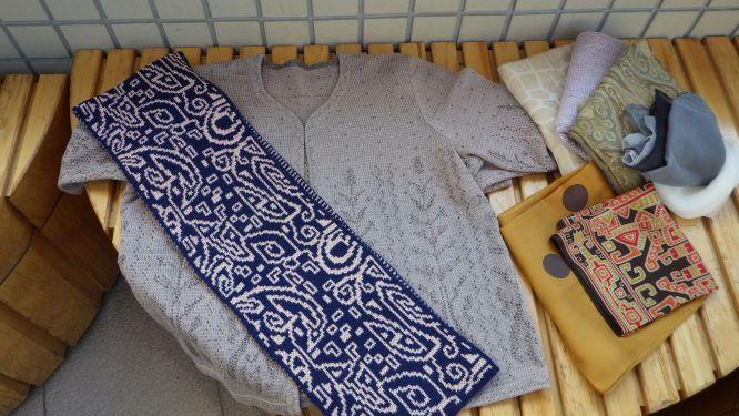 寄付手編みセーター①.JPG