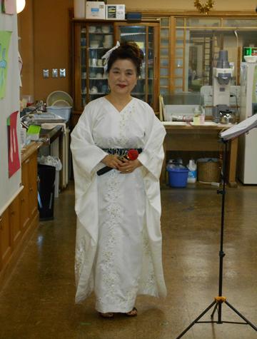 ④片岡先生(白衣装).png